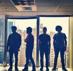 Patrick Stump / Joe Trohman / Pete Wentz / Andy Hurley / Fall Out Boy