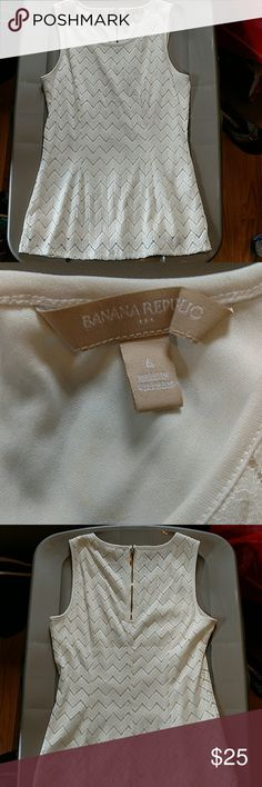 Banana republic tank Chevron lace tank with exposed gold zipper in back tank is fully lined and has a little bit of a flare in excellent condition Banana Republic Tops Tank Tops
