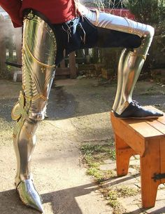 Nauticalmart Renaissance Armor Medieval Steel Full Leg Armour With Brass Fitting - Halloween Costume Medieval Knight, Medieval Armor, Medieval Fantasy, Medieval Costume, Dark Fantasy, Fantasy Armor, Arm Armor, Body Armor, Costume Armour