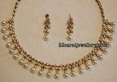 Signature Victorian-inspired lines to contemporary designs of necklace sets and pieces that matches anyone's taste for world-class fine jewellery. Pearl Necklace Designs, Pearl Jewelry, Beaded Jewelry, Pearl Necklaces, Jewlery, Indian Wedding Jewelry, Bridal Jewelry, Baby Schmuck, Gold Jewelry Simple