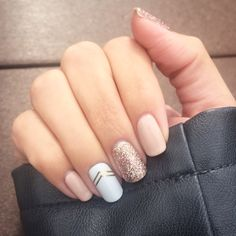 Nude pink and white base nail polish with gold glitter middle finger accent nail and gold foil design ring finger accent nails Cute Fun Easy Fast Short Or Long Fingernail Polish Art Design Idea For Spring Or Summer Acrylic Or Gel Nails Nailed It, Easy Nails, Manicure E Pedicure, Manicure Ideas, Gel Nail Designs, Nails Design, Chevron Nail Designs, Neutral Nail Designs, Nude Nails