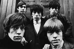 The Rolling Stones c. 1965 Shown here with former founding member, Brian Jones. It's amazing to think that they're still rockin' and packing them in. Art Photography Portrait, Band Photography, Portraits, Motivational People, Terry O Neill, Los Rolling Stones, Ron Woods, Music X, Charlie Watts