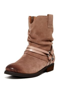 Seaton Boots//