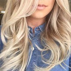 Silk treads using @ilesformula_hair #shine #luxury #haircare #bounce #blowout #summerhair #behindthechair #blondehair #blonde #silk #hair #instahair #CHELSEAHAIRCUTTERS