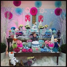 frozen colorida...... Frozen Birthday Party, Birthday Cake, Snow Globes, Decor, Frozen Party, Colorful, Ideas, Style, Fiestas