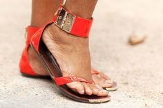 Vince Camuto sandals – more street-spotted accessories after the jump!