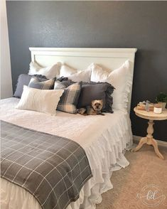 Can you spot the special pillow on this bed? Comment when you see it! Linen Fabric, Window Treatments, Guest Room, To Go, Throw Pillows, Pure Products, Lamps, Wall, Inspiration