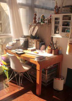 https://flic.kr/p/bBptQz | Minha mesa hoje | Sol da manhã inundando a sala.