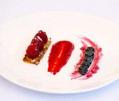 Gâteau d'igname et fruits rouges