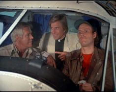 Face: M-Murdock, what's gonna happen? Murdock : Looks like we're gonna crash. Come on, really, what's gonna happen? M: It looks like we're gonna crash and die. A Team Van, George Peppard, Group Pictures, What Do You Mean, The A Team, Classic Tv, Old Movies, Movies Showing, Favorite Tv Shows
