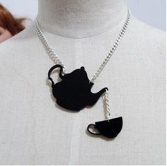 Aliexpress.com: Compre Chá preto acrílico pingente de colar Laser Cut acrílico Hip Hop colar charme bule de confiança Colar símbolo encantado fornecedores em Kitsch Jewelry