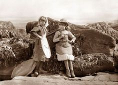 Frank Sutcliffe Photographs of Whitby includes many turn of the century photos  of everyday village folk.