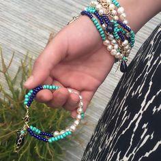 Modelos novos que acabaram de chegar aqui na loja! #Semijoias #semijoiasfinas #semijoiasdeluxo #atacadosemijoias #acessorios #acessoriosdeluxo #atacadoevarejo #amoacessorios #glamour #tendencia #fashion #love #amomuito #loveit #brincos #pulseiras #colares #pulseirismo #joias #joiasfolheadas #jewelry #tendencia Pearl Jewelry, Beaded Jewelry, Jewelery, Beaded Bracelets, Glamour, Bangles, Beads, Womens Fashion, Diy