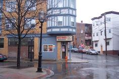 Photo of Katz Bagel Bakery, Chelsea, Massachusetts (from http://hiddenboston.com/blogphotopages/KatzBagelPhoto.html)