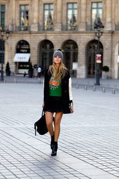 Kenzo sweater, veiled toque, via blondesalad Kenzo Sweater, The Blonde Salad, Autumn Street Style, Autumn Winter Fashion, Winter Style, Skirt Fashion, Simple Style, Her Style, Look