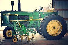 Old John Deere Tractors, Jd Tractors, Vintage Tractors, Vintage Farm, John Deere Equipment, Old Farm Equipment, Agriculture Pictures, Venison Jerky, Tractor Pictures