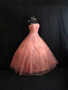Vintage 1950s STRAPLESS Pink Shelf Bust Beaded Sequins Pearls Tulle Party Gown