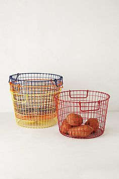 Veggie/fruit picking basket. I need this in orange for my shopping trips =]