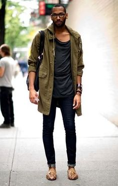 military style parka with a modern flair Mode Masculine, Men Street, Street Wear, Street Chic, Fashion Week, Mens Fashion, Fashion Menswear, Fashion 2016, Street Fashion