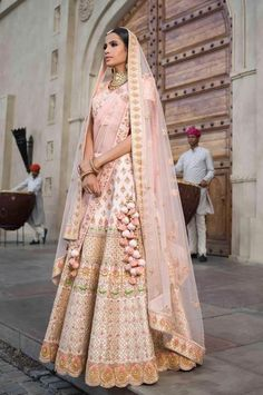Ideas For Wedding Lengha Bridal Lehenga Blush Pink Indian Bridal Lehenga, Indian Bridal Outfits, Indian Bridal Wear, Indian Dresses, Bridal Dresses, Pink Bridal Lehenga, Raw Silk Lehenga, Lehenga Choli, Anarkali