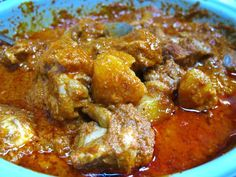 Nyonya Chicken Curry My aunt cook this chicken curry very often. I remember coming back from school with lots of delicious food laid on the dining table. I would always take a big serving of this with lots of curry cov… Spicy Recipes, Indian Food Recipes, Asian Recipes, Cooking Recipes, Duck Recipes, Asian Desserts, Asian Foods, Easy Recipes, Chicken Leg Curry Recipe