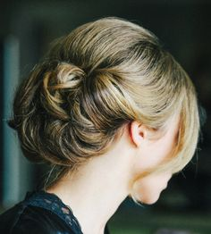 Wedding Hairstyles That Can Make You Superbly Graceful And Elegant. To see more: http://www.modwedding.com/2014/09/17/wedding-hairstyles-can-make-superbly-graceful-elegant/ #wedding #weddings #hairstyle Featured Photographer: Katie Stoops Photography