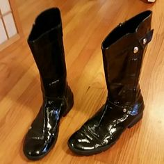 Black patent leather boots. Mid calf height.  13 1/2 inches high.  Barely worn.  No scratches. Made in Italy. Excellent condition! Sbaia Shoes