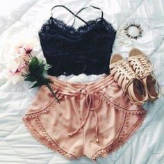 87 Trendy Spring Outfits That Will Enchant You Look Fashion, Teen Fashion, Fashion Outfits, Womens Fashion, Fashion Trends, Fashion Ideas, Fashion Shorts, Fashion Hacks, Vintage Hipster