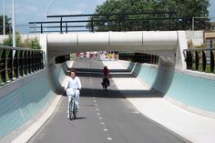The bicycle highway could easily become a viable commuter link, freeing up capacity on already busy roads and railways. Indeed, the link's proposers...