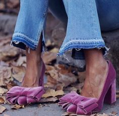 Violet Bow Chunky Heels Pumps - Red Chunky Heels Pumps for Women for Date, Going out Chunky Heel Pumps, Pumps Heels, High Heels, Bow Heels, Suede Heels, Stilettos, Jimmy Choo, Look Fashion, Fashion Shoes