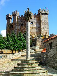 Castelo de Penedono - Penedono - Distrito de Viseu, Portugal Sintra Portugal, Places In Portugal, Visit Portugal, Spain And Portugal, Portugal Travel, Cool Places To Visit, Places To Travel, Places To Go, Architecture Old