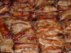 Křupavý pečený vepřový bok marinovaný v medu, hořčici a kečupu! Hungarian Recipes, Russian Recipes, Pork Recipes, Chicken Recipes, Cooking Recipes, Top Salad Recipe, Baked Pork Ribs, Salsa Barbacoa, Food 52