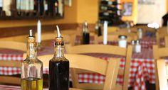 Der Name des Restaurants ist von der Hauptstadt Apuliens abgeleitet und soll ein Stück des Lebensgefühls der Region nach Berlin bringen. Im rustikalen Ambiente des Restaurants werden köstliche landestypische Gerichte gereicht, welche Sie in Kombination mit einem Glas aromatischen Wein genießen können.  Jetzt online reservieren: https://www.quandoo.de/osteria-tarantina-18?TC=DE_DE_PIN_10000004_10000337&utm_source=facebook&utm_medium=social&utm_campaign=DE_DE_PIN_10000004_10000337