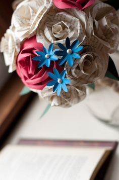 forget me not paper flowers via 7 Paper Flower Bouquets to Pick for Weddings