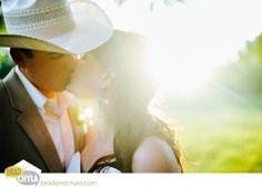 Country Wedding photo idea
