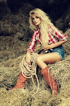 """Portrait Photography of Girls """"Cowgirl"""" An astonishing portrait and a stunning girl! ♥~(ಠ_ರೃ) Très Belle Femme ღ♥♥ღ Sexy!""""Cowgirl"""" An astonishing portrait and a stunning girl! ♥~(ಠ_ರೃ) Très Belle Femme ღ♥♥ღ Sexy! Sexy Cowgirl, Cowgirl Style, Gypsy Cowgirl, Cowgirl Hair, Western Style, Country Fashion, Country Outfits, Style Fashion, Fashion Black"""