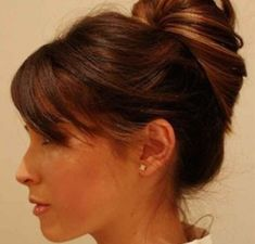 Trend hairstyle in 15 seconds: This Messy Bun manual is super easy & stylish! 15 seconds Messy Bun Instructions Done Nurse Hairstyles, Messy Bun Hairstyles, Creative Hairstyles, Trendy Hairstyles, Messy Bun Anleitung, Easy Messy Bun, Medium Hair Styles, Long Hair Styles, Very Short Hair