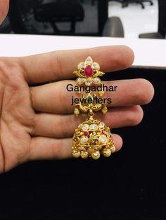 Gold Jhumka Earrings, Gold Earrings Designs, Gold Jewellery Design, Necklace Designs, Jhumka Designs, Gold Necklace, Gold Wedding Jewelry, Gold Jewelry, Simple Earrings