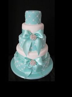 {tiffany blue}Take the bows off, leave just the ribbons and the bling. Gorgeous Cakes, Pretty Cakes, Amazing Cakes, Wedding Cakes With Cupcakes, Cupcake Cakes, Tiffany Blue Cakes, Tiffany Wedding, Just Cakes, Elegant Cakes