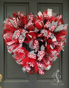 1/17/16 Here's a easy tutorial for a basic Valentine wreath. It's very bright and colorful and easy to make! It does take a little more time than a ruffle or pouf wreath, but you can grab your supplies and sit down in the living room and work while watching TV with the family)) Supplies – …