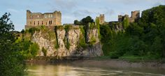 Chepstow (Cas-Gwent). Gloucestershire/Monmouthshire border, England/Wales | von Ed.Moskalenko