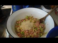 YouTube Guacamole, Cabbage, Grains, Rice, Mexican, Vegetables, Ethnic Recipes, Food, Youtube