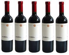 NOVINKA v predaji Cabernet Sauvignon z vinárstva Château Rúbaň. .......... www.vinopredaj.sk ...........  Vôňa vína je intenzívna, černicová až čučoriedková.  Chuť je pevná a dominujú v nej tóny čierneho bobuľového ovocia.  Víno doporučujeme k poľovníckym špecialitám a výborne sa hodí k tataráku z červeného mäsa.  LINK na produkt: http://www.vinopredaj.sk/cabernet-sauvignon-2015-chateau-ru…  #chateauruban #ruban #cabernetsauvignon #ochutnaj #taste #tasting #ochutnavka #novinka #inmedio…
