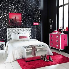 Shop for teen furniture at Maisons du Monde. From cool armchairs to chic dressing tables, find the perfect pieces to bring your teen's room to life. Cute Bedroom Ideas, Cute Room Decor, Trendy Bedroom, Girls Bedroom, Bedroom Decor, My Room, Girl Room, Backboards For Beds, Home Decor Accessories