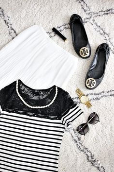 Tyyli fashion tory burch reva burberry sunglasses michael kors watch ellos tanger matto rug pearls lace shirt black and white stripes classy preppy style pleated skirt