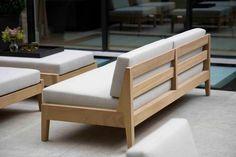 Diy Outdoor Furniture, Sofa Furniture, Pallet Furniture, Outdoor Sofa, Furniture Design, Custom Furniture, Wooden Sofa Designs, Diy Couch, Wood Sofa