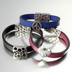 Bracelets en cuir plat et perles décoratives