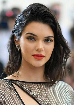 Red Carpet Hair Looks Picture Description Met Gala 2017 Celebrity Beauty - Hairstyles & Makeup Latest Hairstyles, Celebrity Hairstyles, Bob Hairstyles, Brown Hair Shades, Brown Hair Colors, Best Brunette Hair Color, Bob Rubio, Kendall Jenner Makeup, Color Rubio