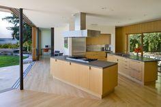 Architect Peter Cohan designed the Cedar Park House in Seattle, Washington.