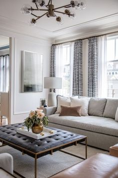 Rachel Madden revives a 100 year old apartment in San Francisco Rue Transitional Living Rooms, Living Room Modern, Home Living Room, Interior Design Living Room, Living Room Designs, Living Room Furniture, Living Room Decor Traditional, Cozy Living, Living Room With Windows
